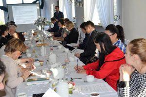 Rekomendacje i partnerstwo dla zwiększenia zakresu i trafności aktywizacji zawodowej osób młodych 1