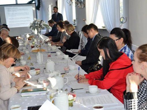 Rekomendacje ipartnerstwo dla zwiększenia zakresu itrafności aktywizacji zawodowej osób młodych